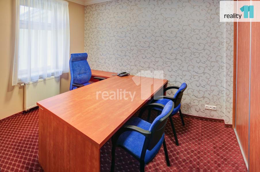 Pronájem komerčního objektu, Kanceláře, 60 m2