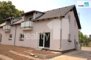 Prodej rodinného domu 4+kk - 108m2 a garáž (levý) - Zkolaudováno, Praha - Satalice