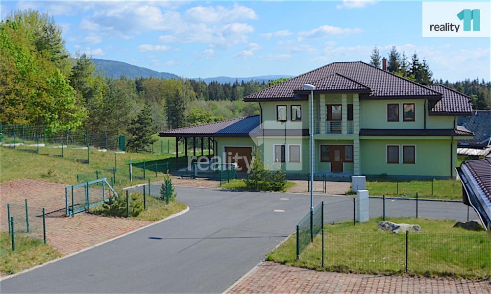 Prodej domu, Rodinný, 370 m2 novinka
