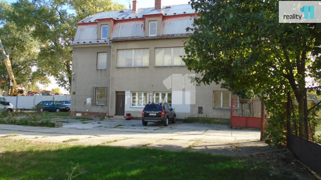 Prodej komerčního objektu, Kanceláře, 421 m2